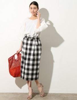 フロントスリットタイトスカート2.jpg