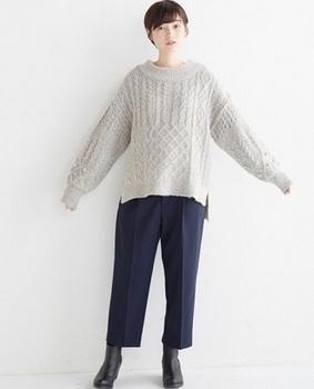 クルーネックケーブル編みセーター1.jpg