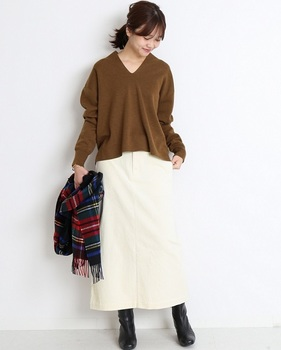 コーデユロイタイトスカート5.jpg