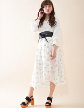 サッシュベルト付スカート5.jpg