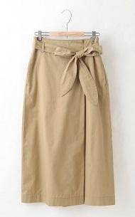 タックタイトスカート.jpg