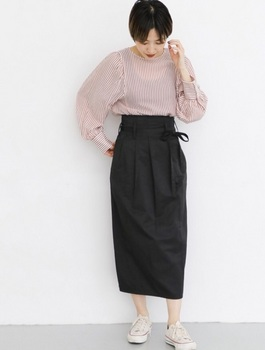 タックタイトスカート5.jpg